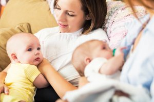 1509691073_am_breastfeeding-in-public